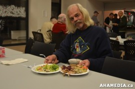 39-aha-media-sees-anything-but-xmas-community-dinner-in-vancouver-dtes